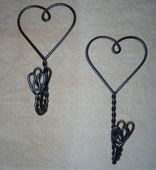 wire heart hooks