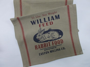 RabbiT Feed Table Runner