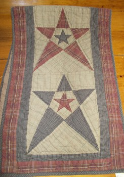 Prim star quilted runner