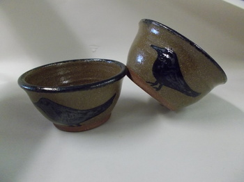 Crow pottery bowl