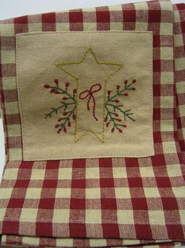 Hollyberry Star Towel