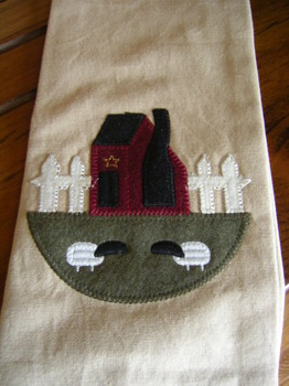 Saltboxwith Sheep Towel
